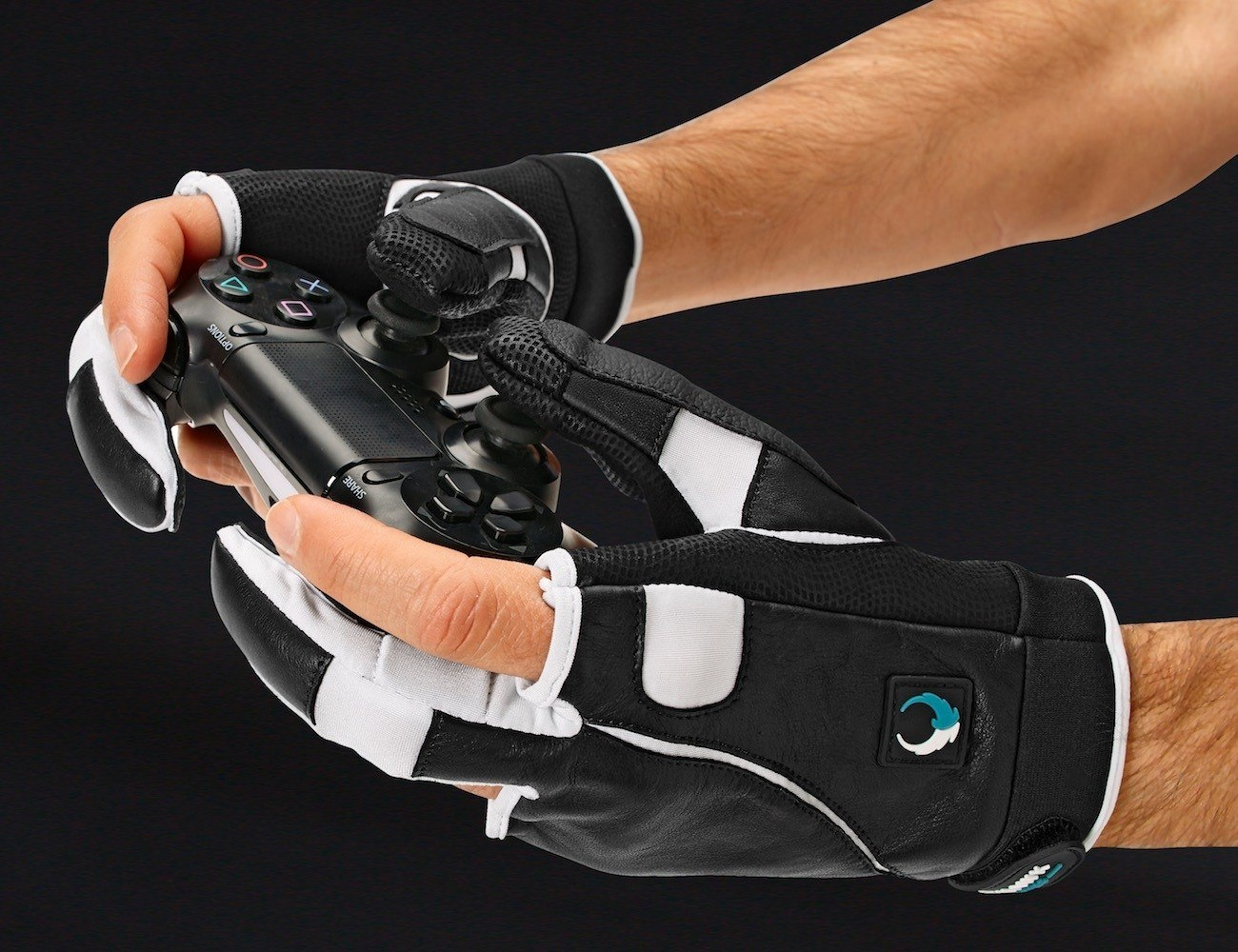 These Innovative Gaming Gloves Give You the Edge