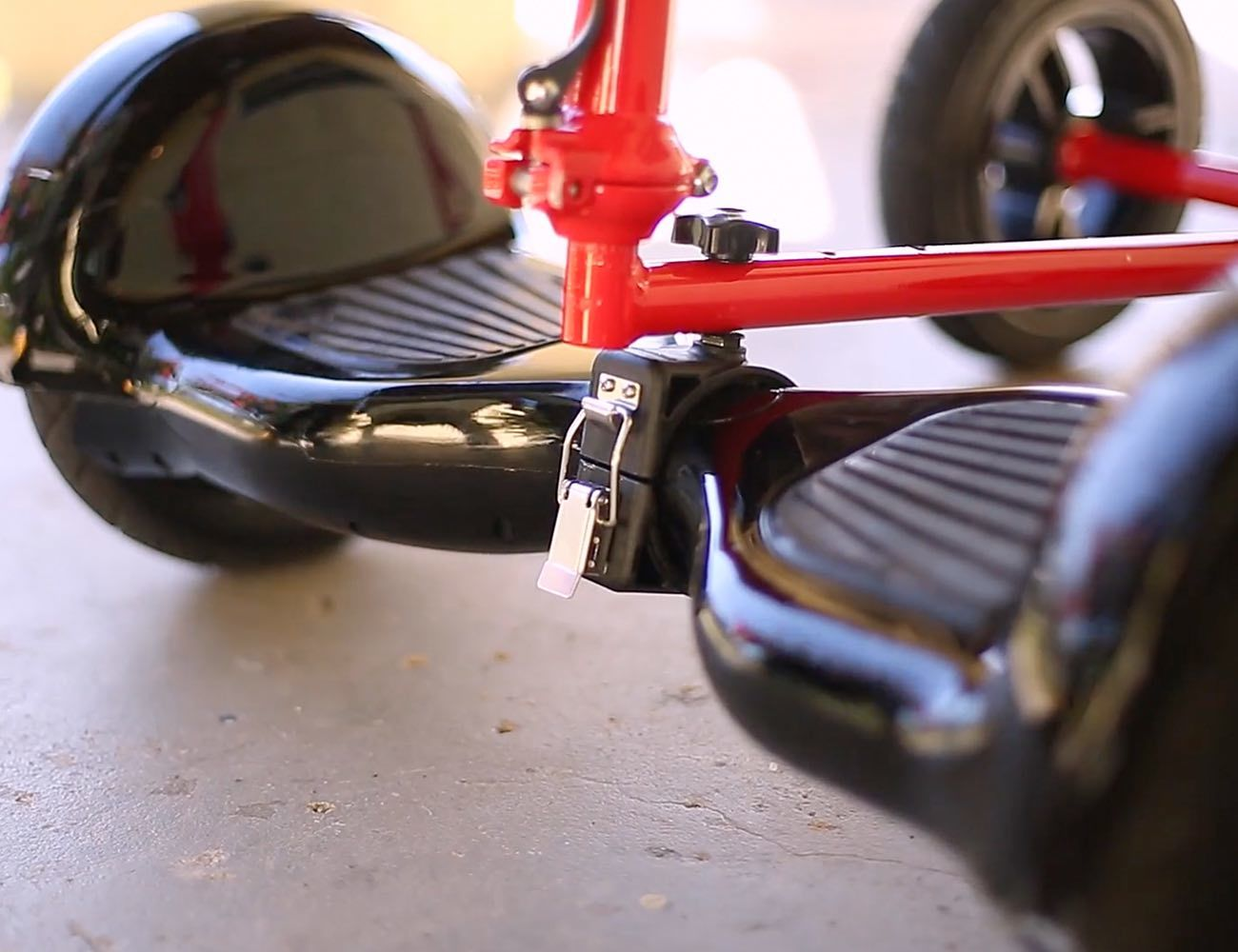 HoverBike – A Bike Powered By Your HoverBoard