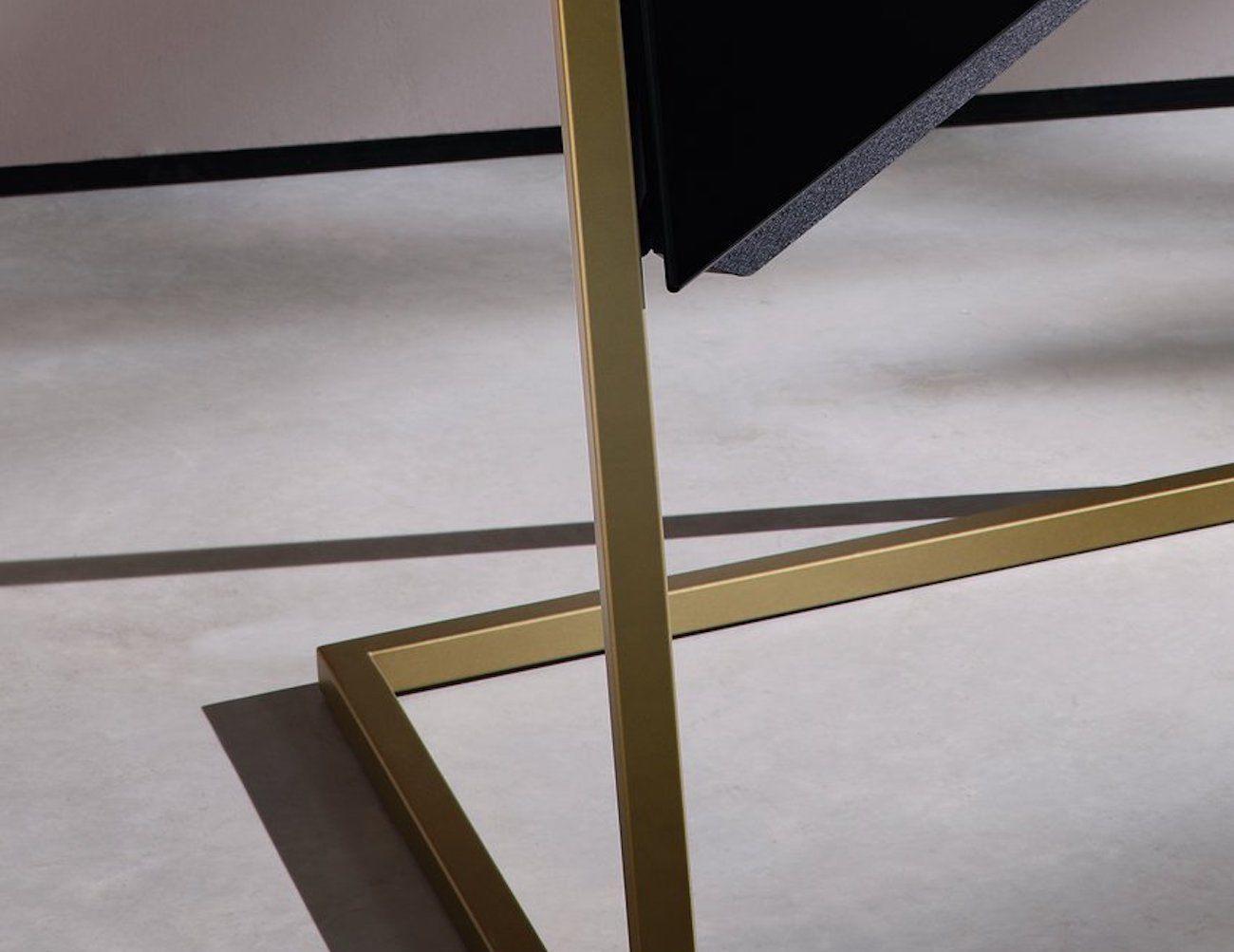 loewe bild 9 oled tv gadget flow. Black Bedroom Furniture Sets. Home Design Ideas