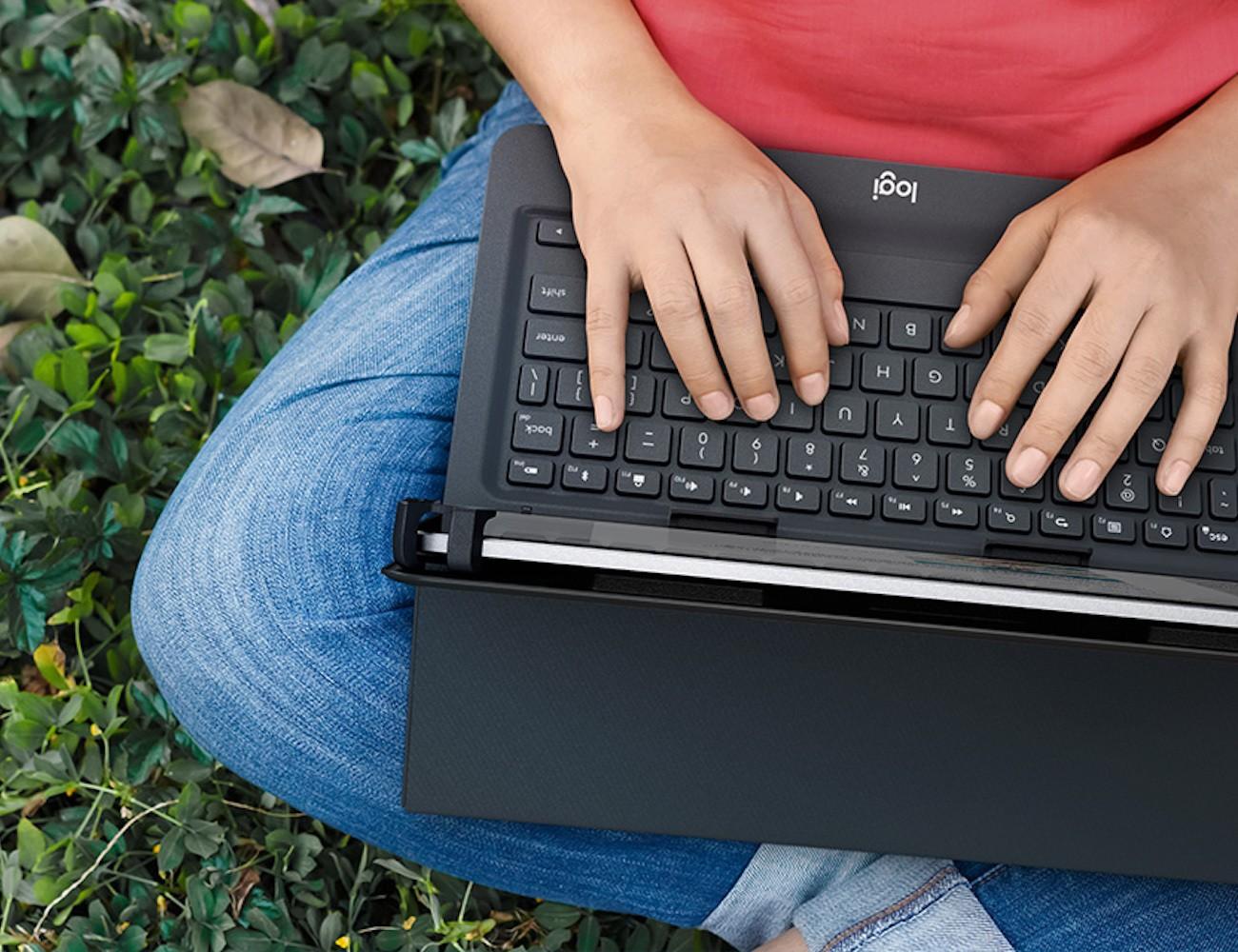 Logitech Universal Folio Tablet Keyboard Case