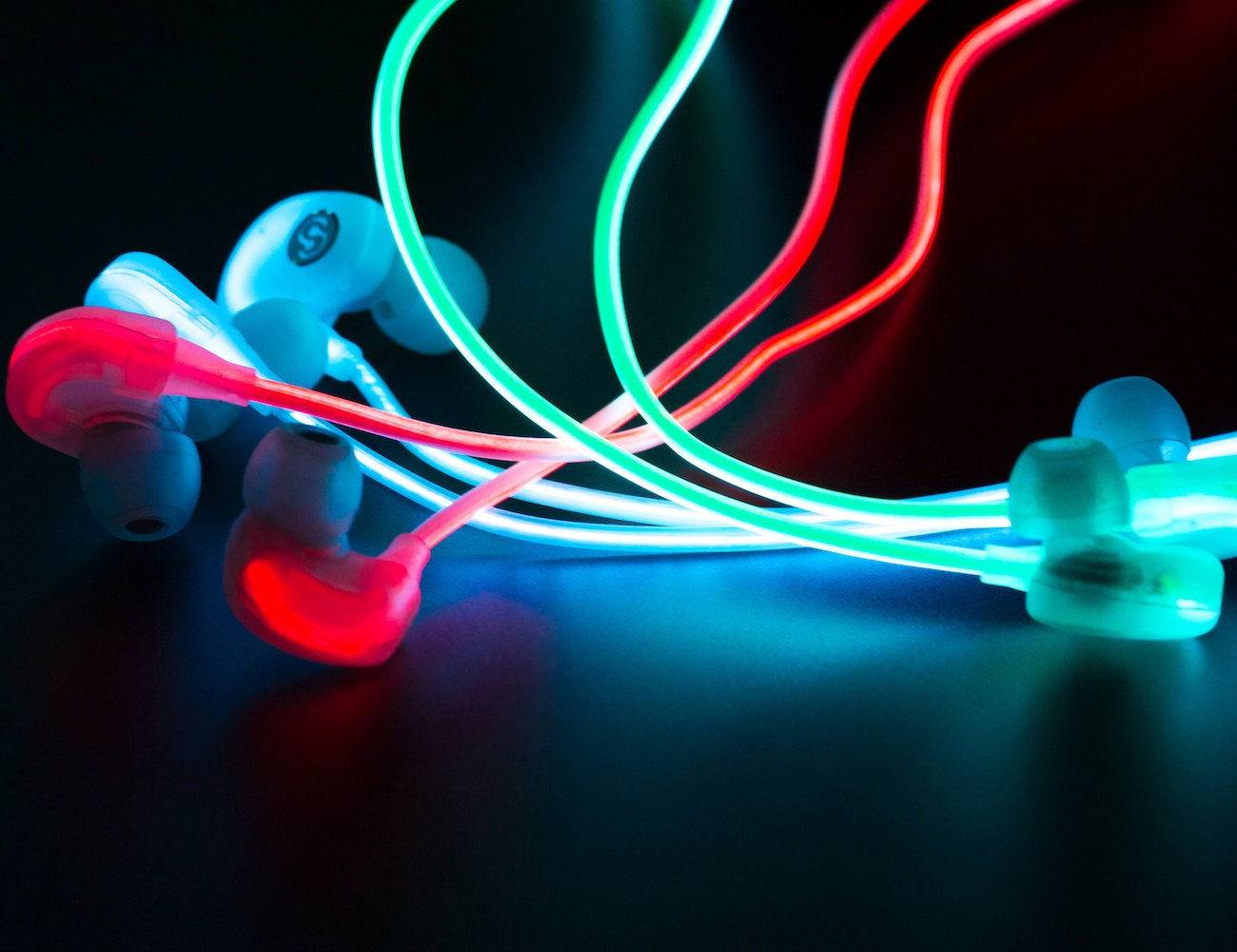 Spark Headphones – Smart Glow Earbuds