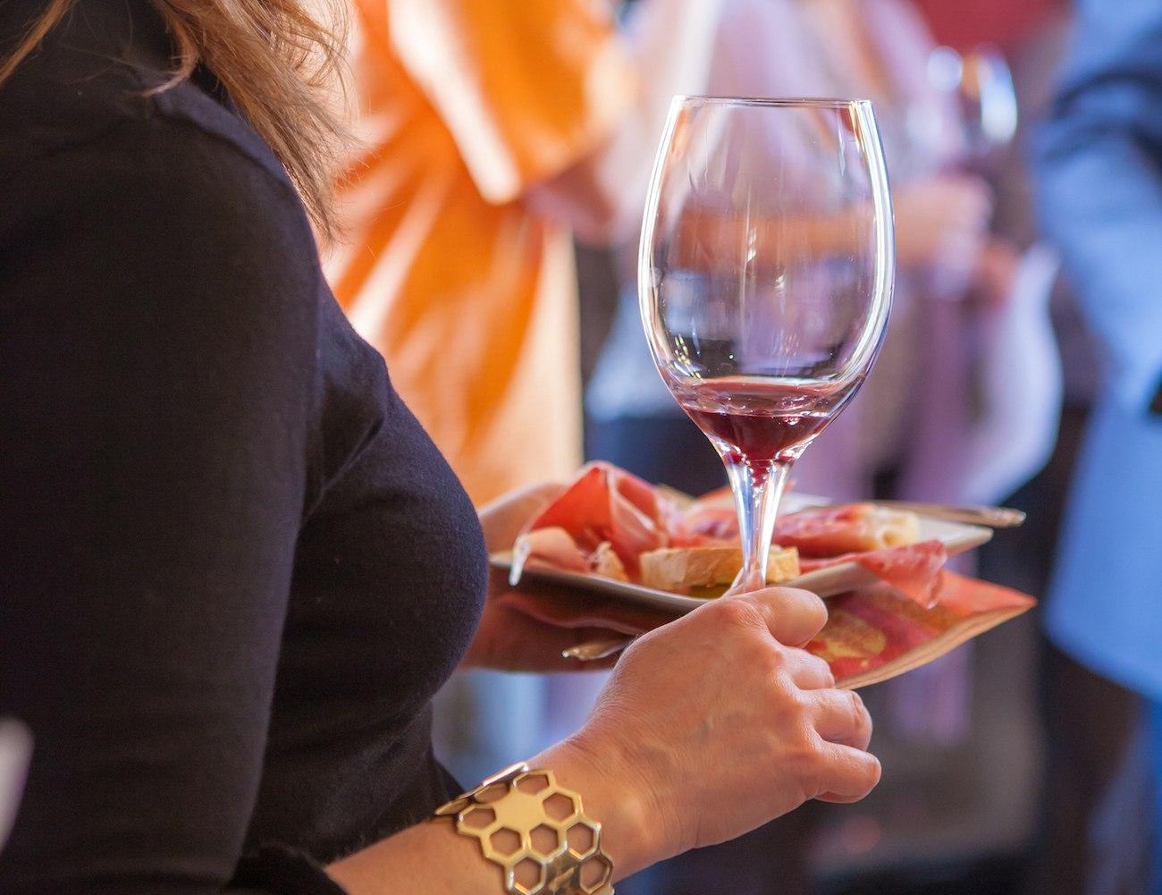 Sediment+Capturing+Wine+Glasses