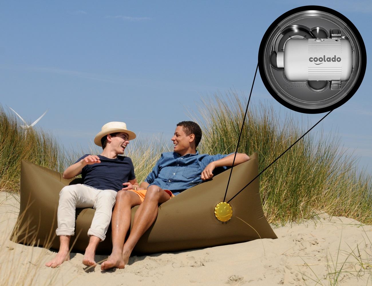 Coolado – Self-Inflating Loungebag with Built-In AirPump