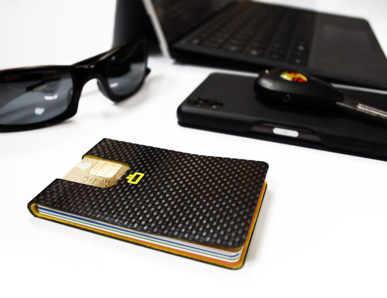 3C Ultra Slim Carbon Card Clip