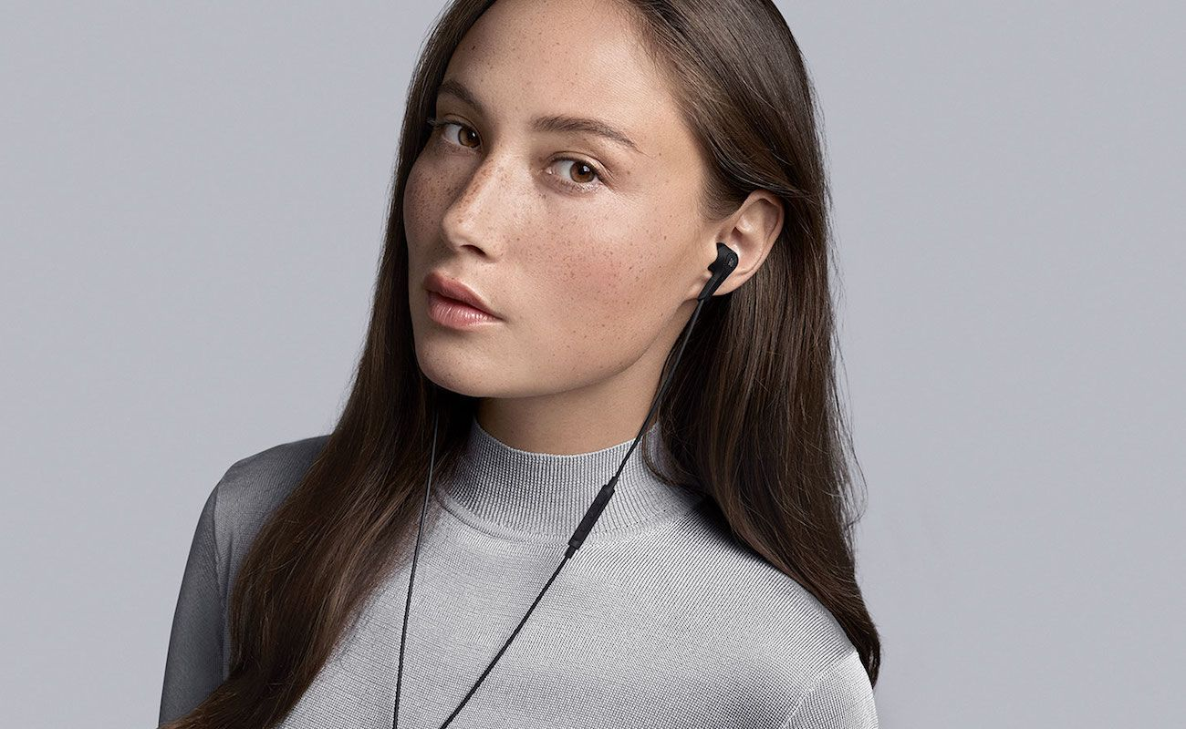 Beoplay E4 Noise Cancelling Earphones