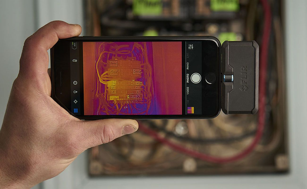 FLIR ONE Pro Thermal Imaging Camera Attachment