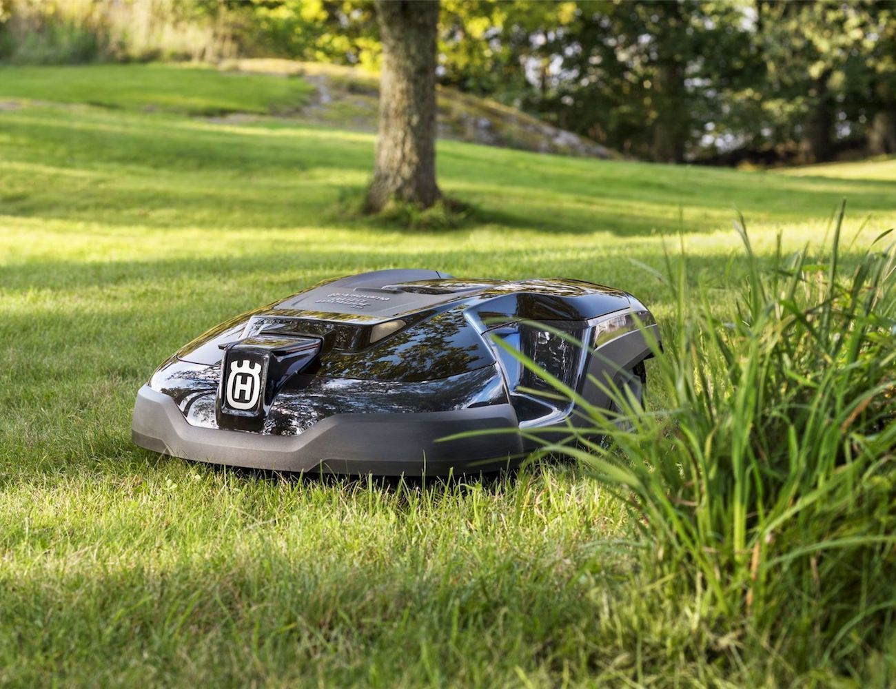 husqvarna 450x automower lawnmower gadget flow. Black Bedroom Furniture Sets. Home Design Ideas