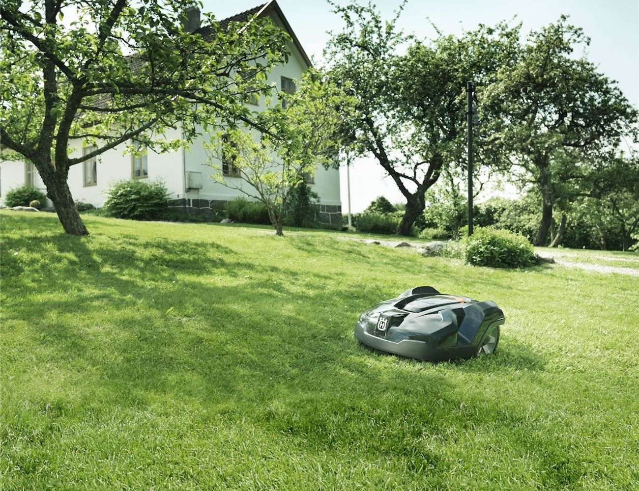 Husqvarna 450x Automower Lawnmower 187 Gadget Flow