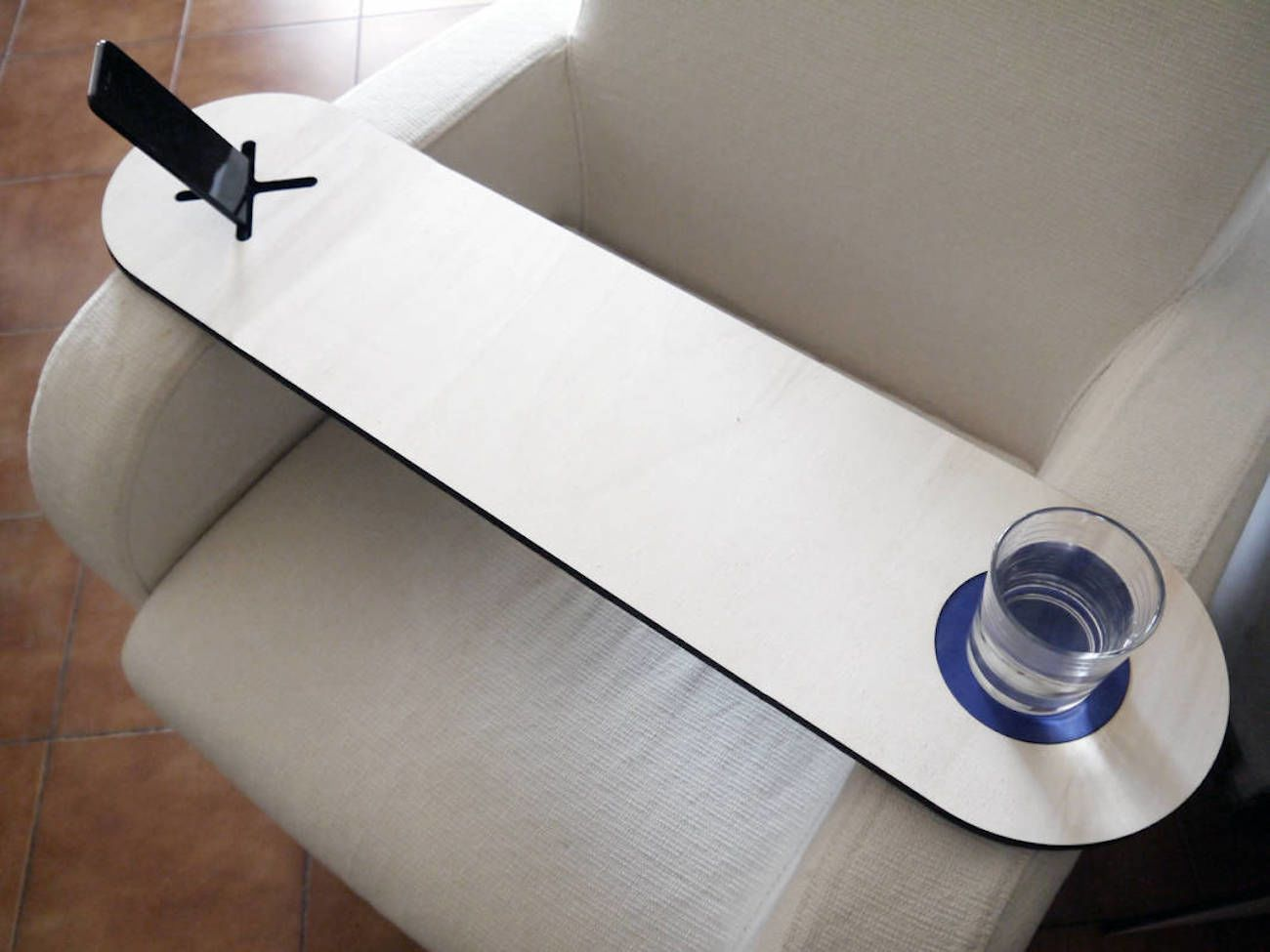 Laser+Cut+Wood+Armchair+Table