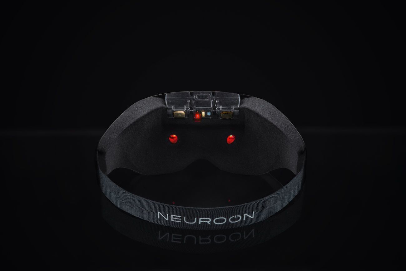 Neuroon Open Smart Sleep Enhancing Wearable