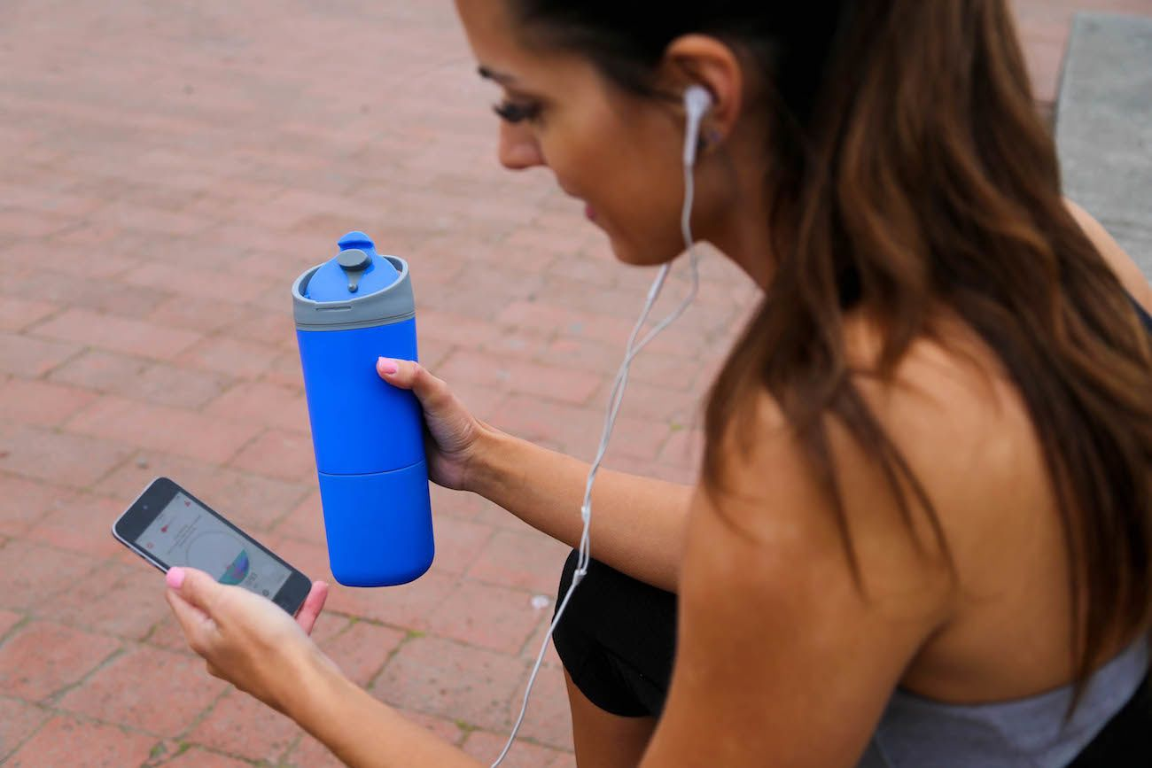 Ozmo Smart Bottle and App