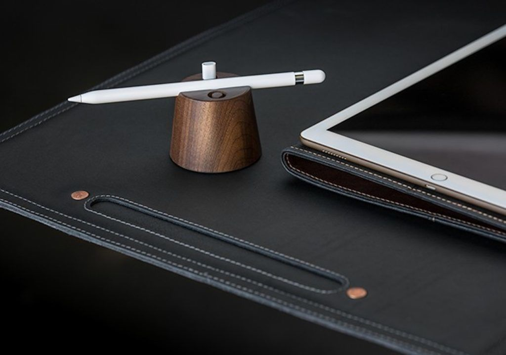 Pad+%26%23038%3B+Quill+Wooden+Apple+Pencil+Holder