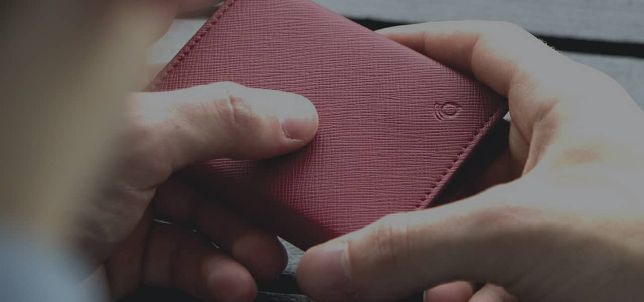 Q-TRAQ Ultra Compact Smart Wallet