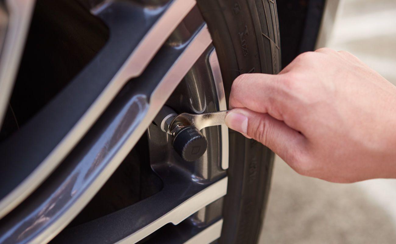 ZUS Smart Tire Safety Monitor