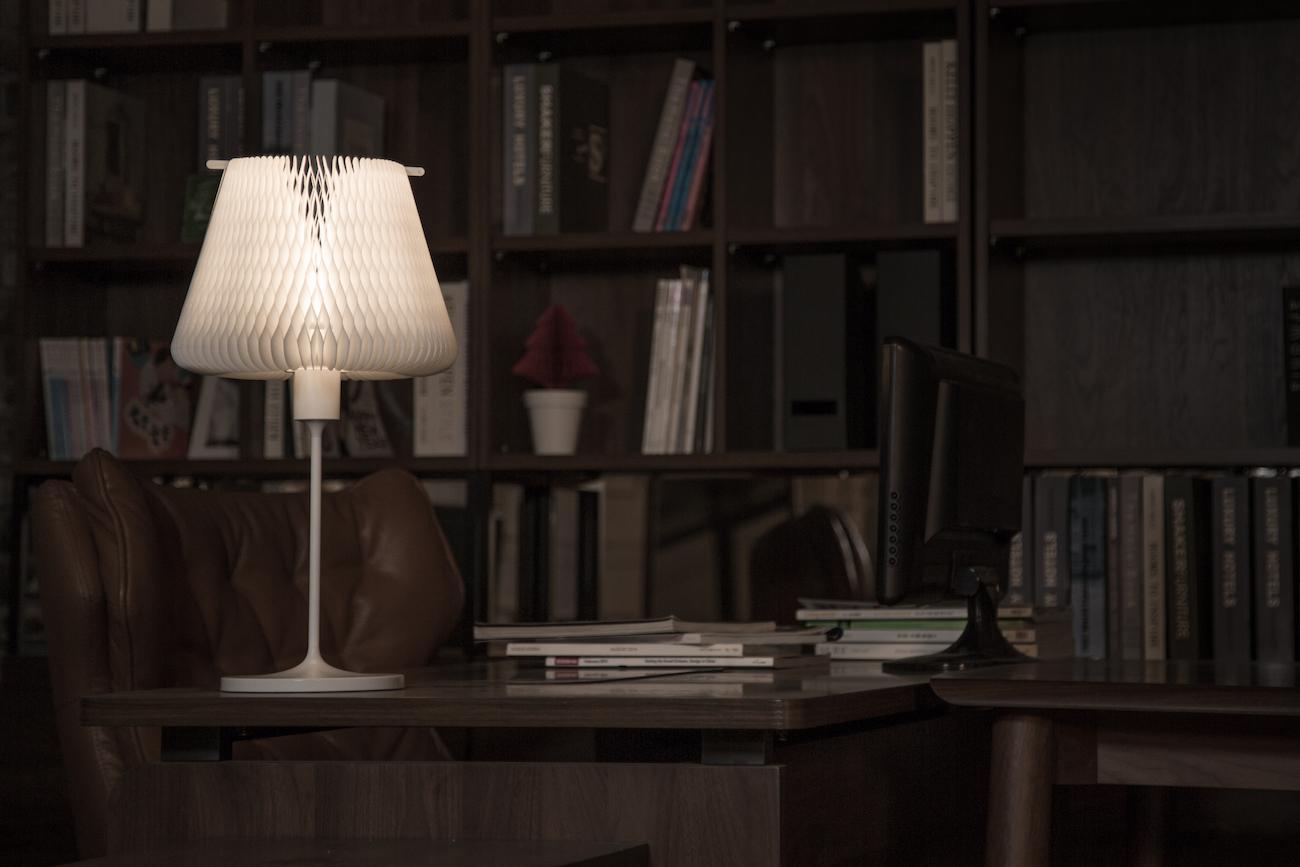 D'LIGHT Transformable Kinetic Table Lamp