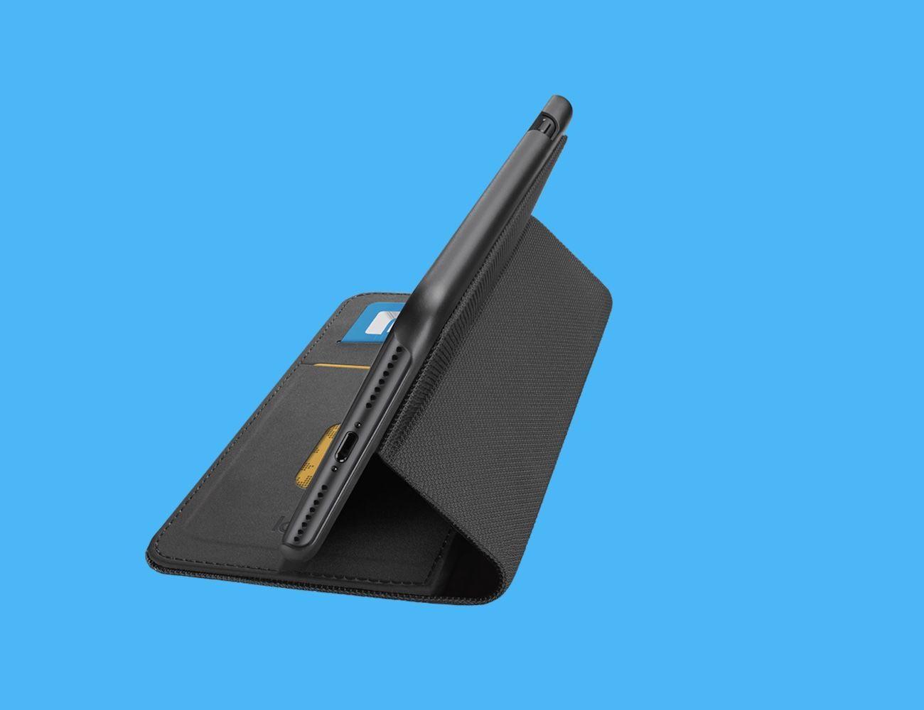 Hinge Flexible iPhone 7 Wallet Case
