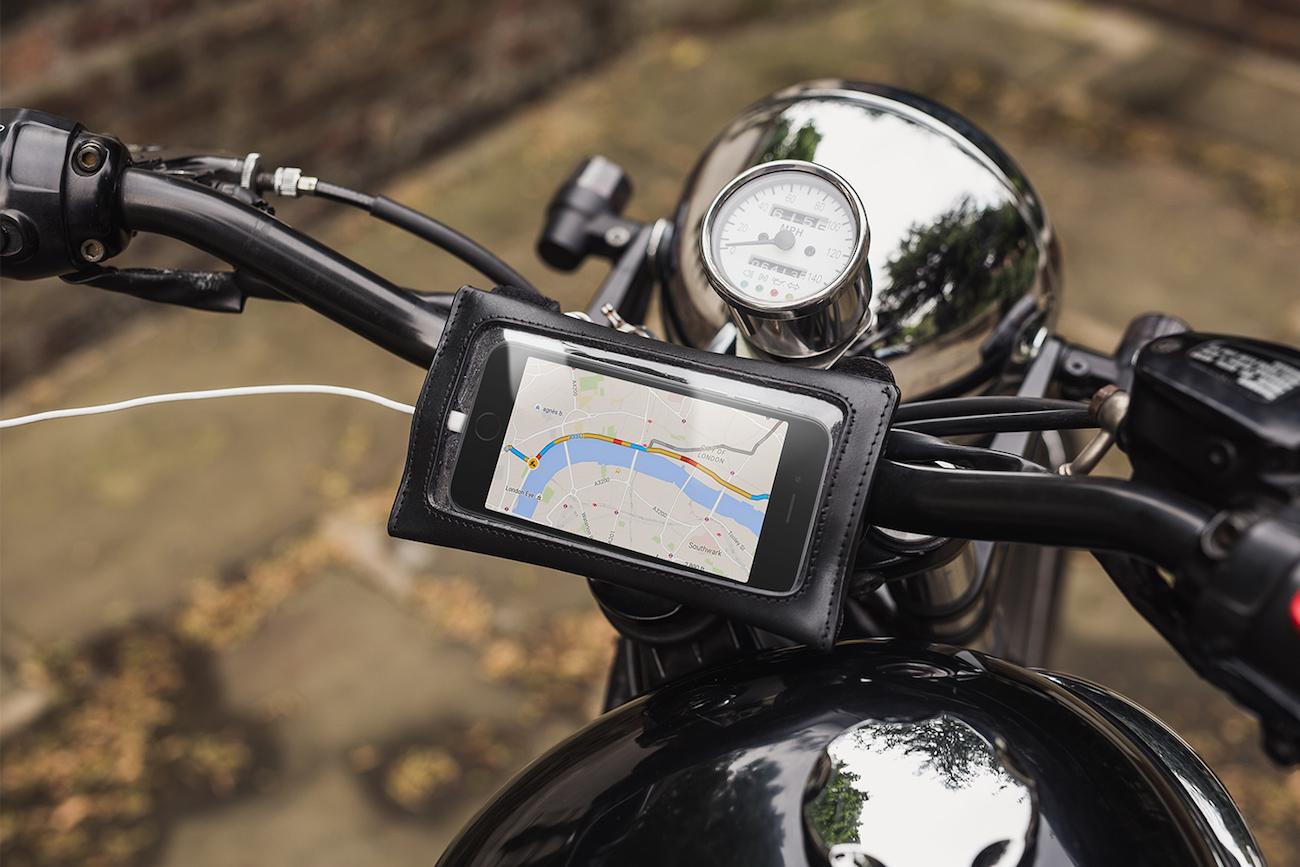 James Navigator Leather GPS Smartphone Sleeve