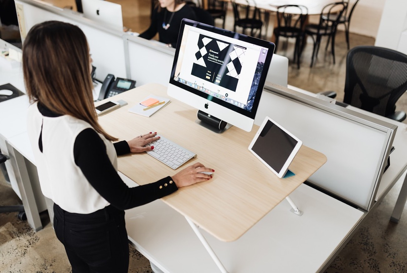 Movi Adjustable Height Standing Desk