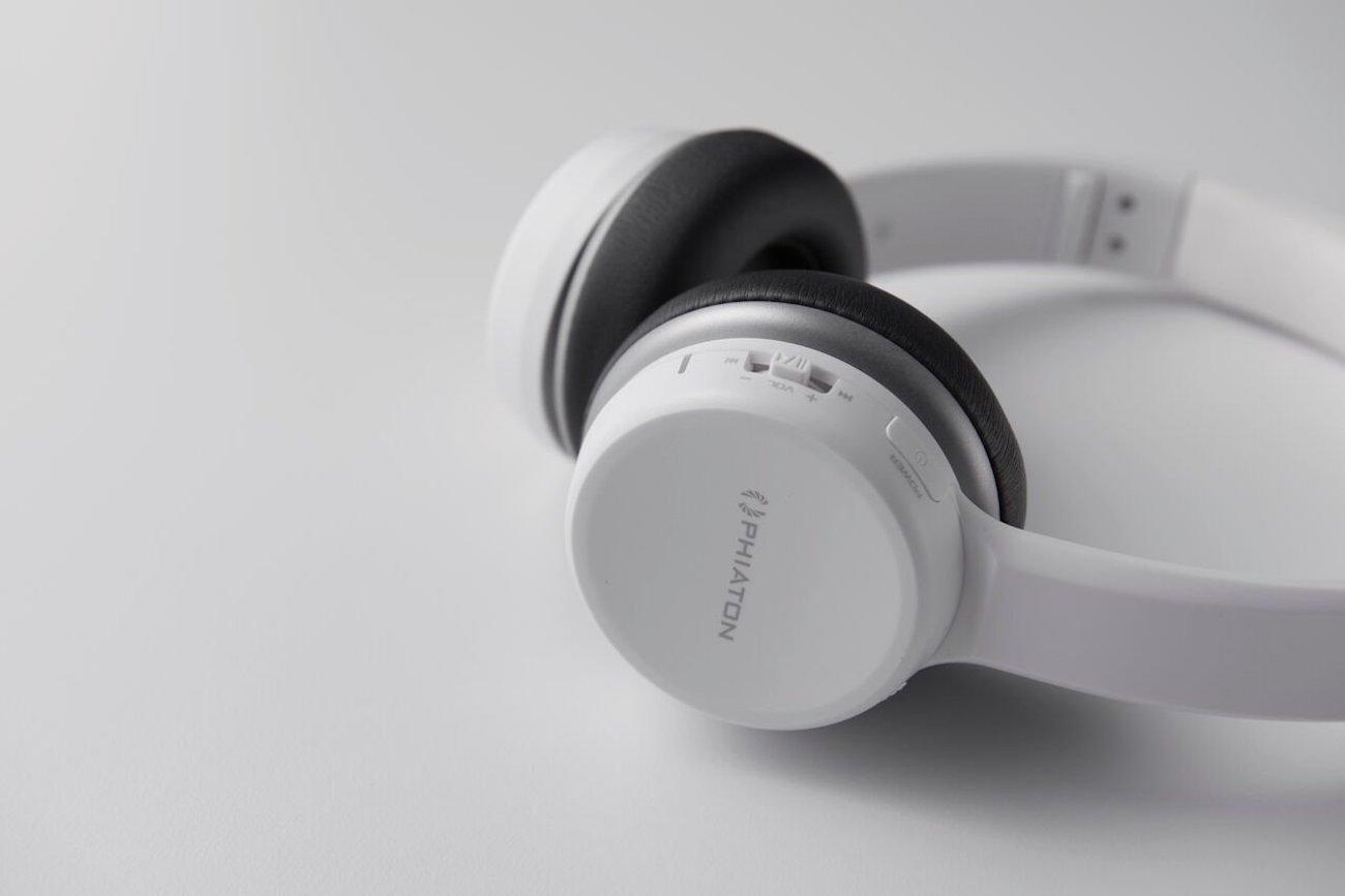 Phiaton BT390 Wireless Mic Headphones