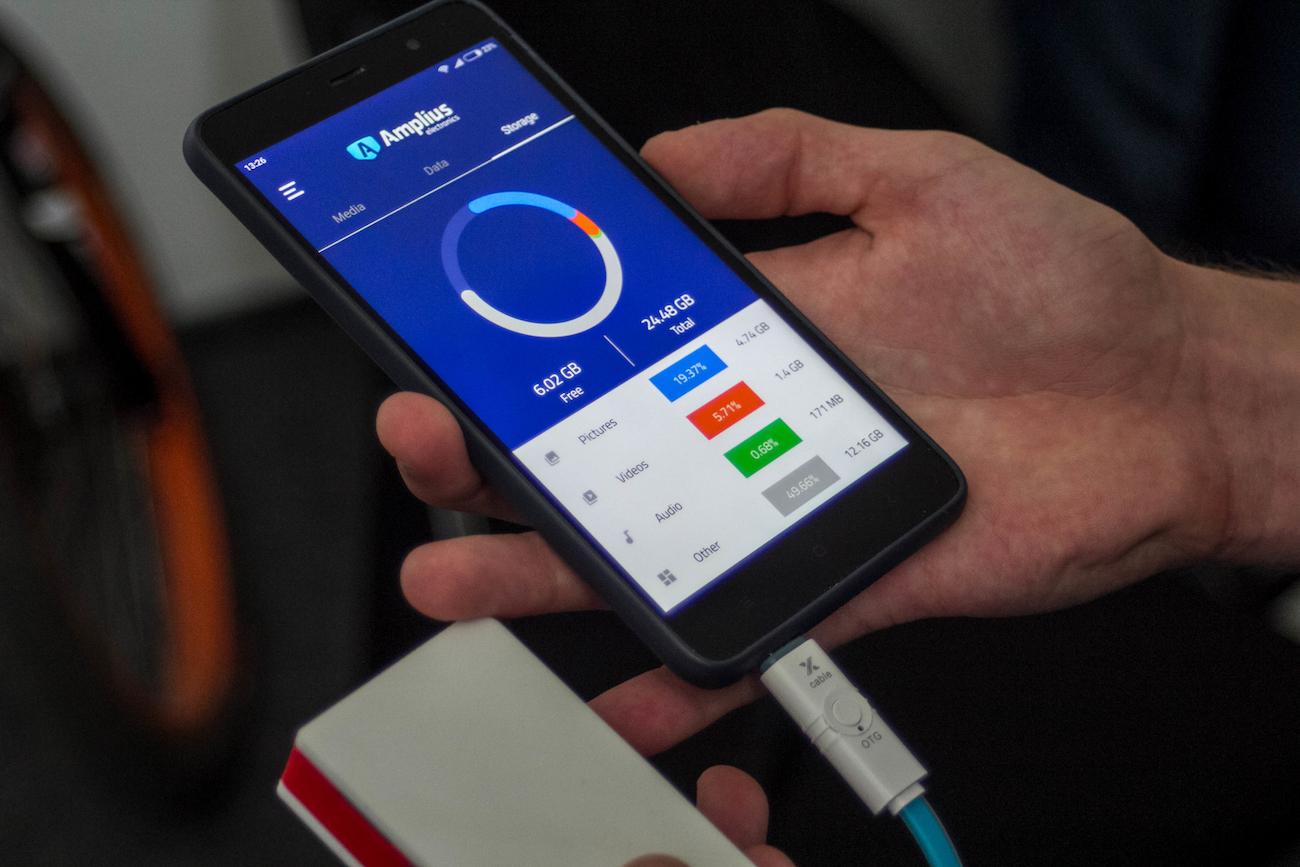 Rubico Smartphone Battery Storage Keychain