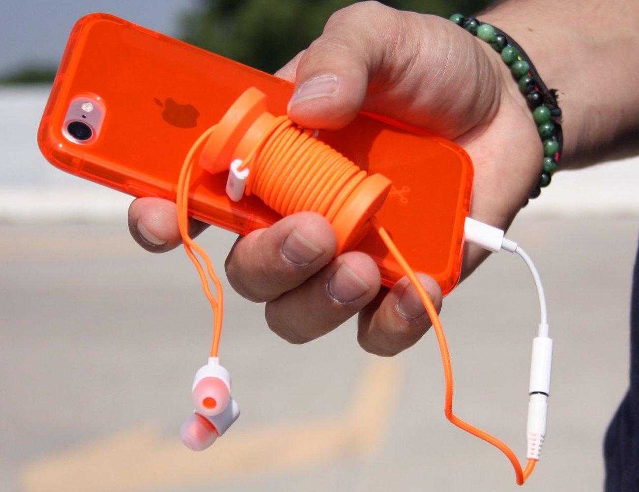 Spool Cable Organizing Earphones