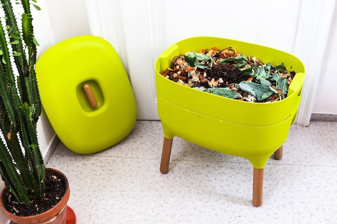 urbalive indoor compost worm farm gadget flow. Black Bedroom Furniture Sets. Home Design Ideas