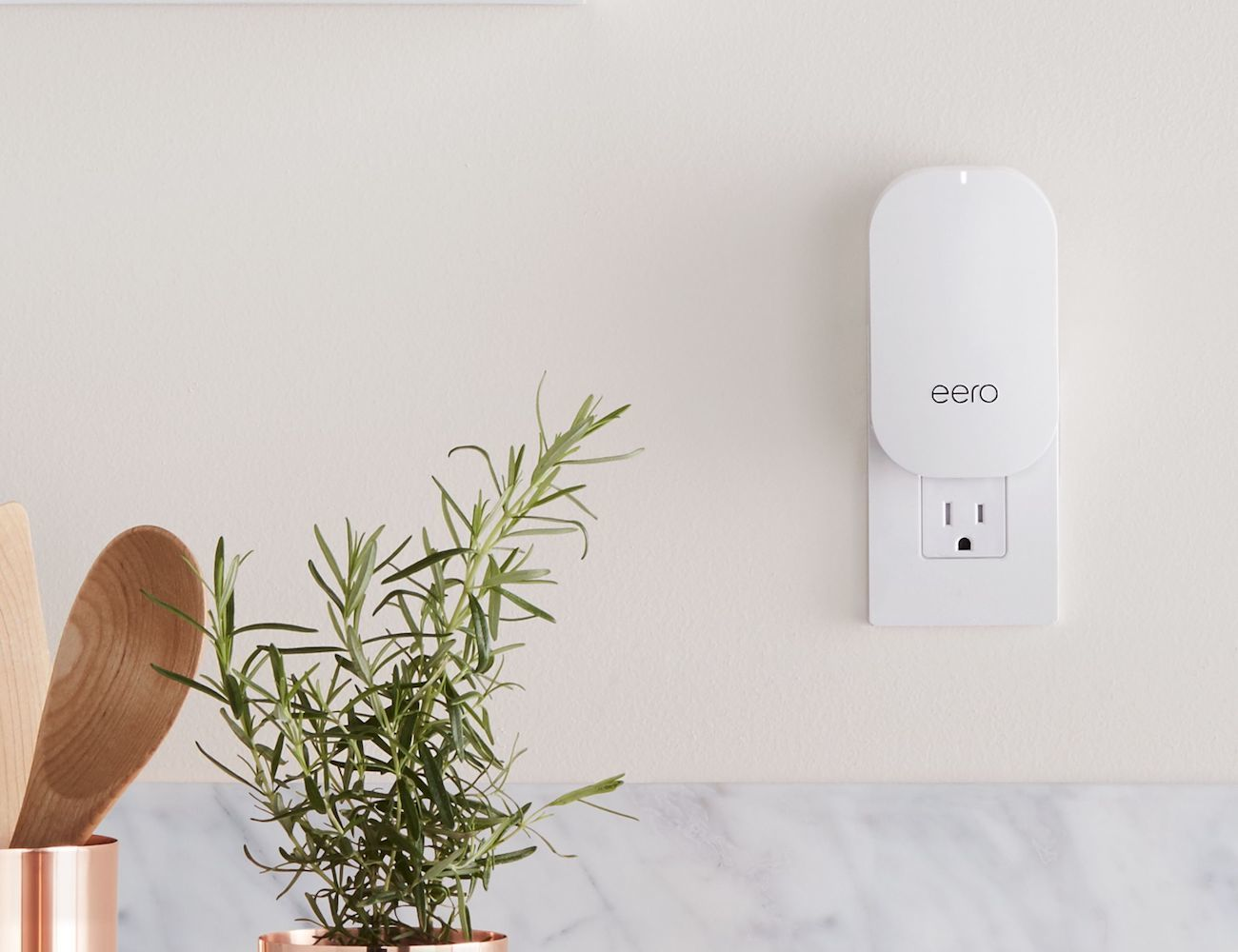 eero True Mesh Home Wi-Fi System loading=