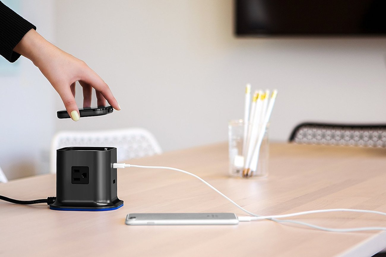100 PERCENT Hybrid Tower Charging Station