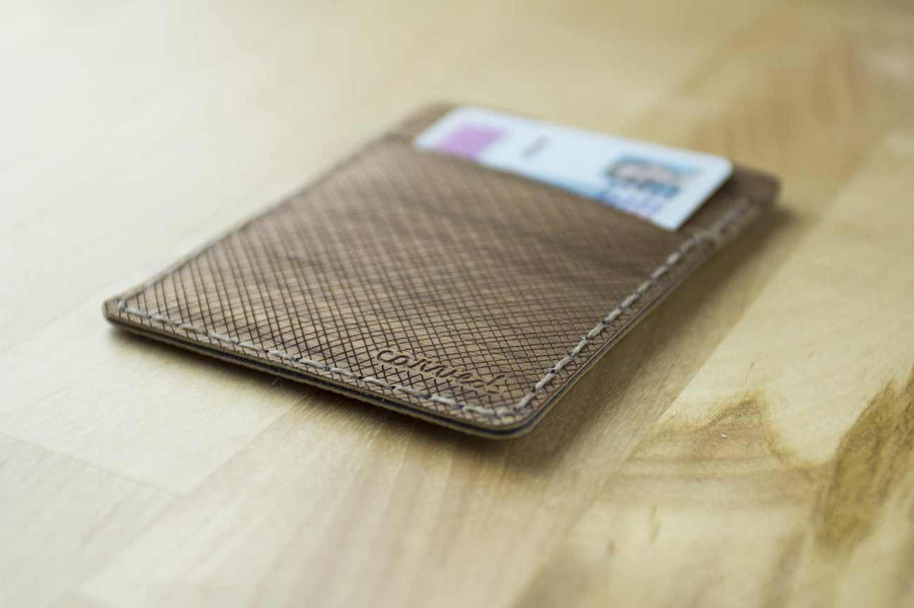 Arbor Is a Beautiful Wooden Wallet That Will Flex Under Pressure