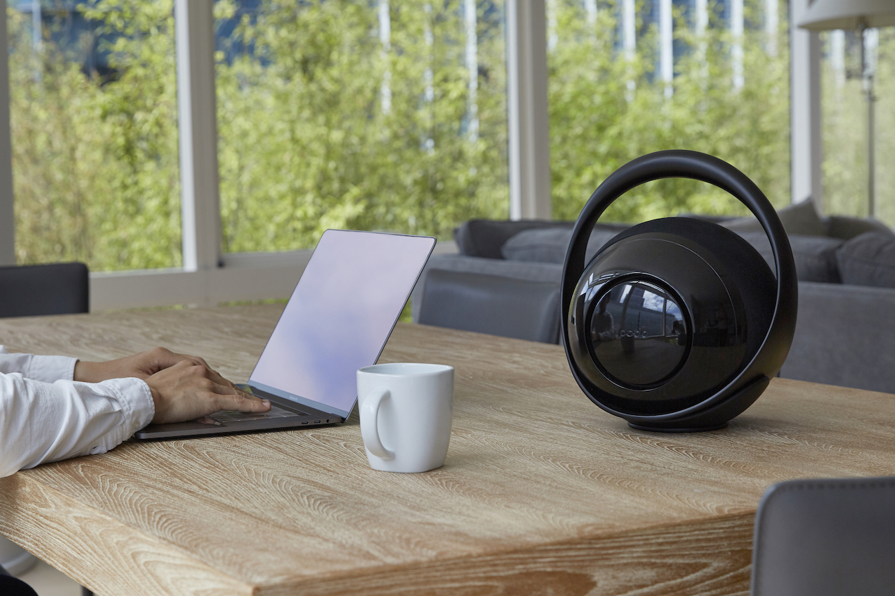 Belle Premium Speaker and Bluetooth Hub
