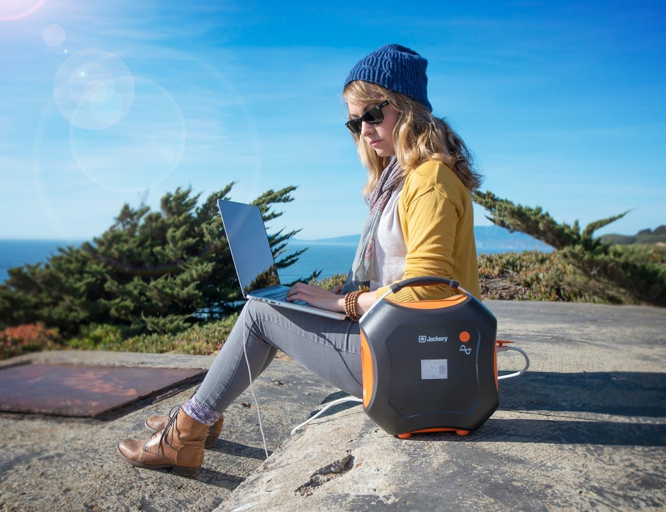 Jackery Power Pro Rechargeable Solar Battery