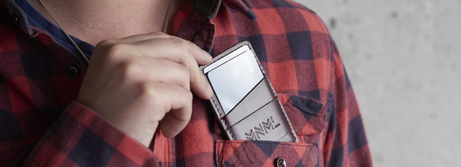 The Beautiful MNML Wallet Protects Your Cards from Fraud