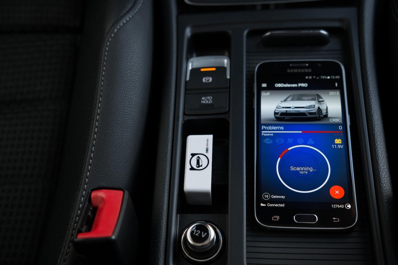 OBDeleven Car Diagnostics Device