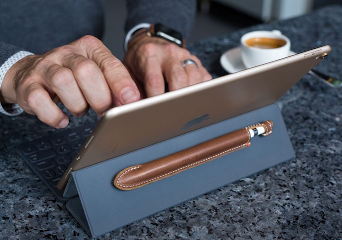 Quill Leather Apple Pencil Case