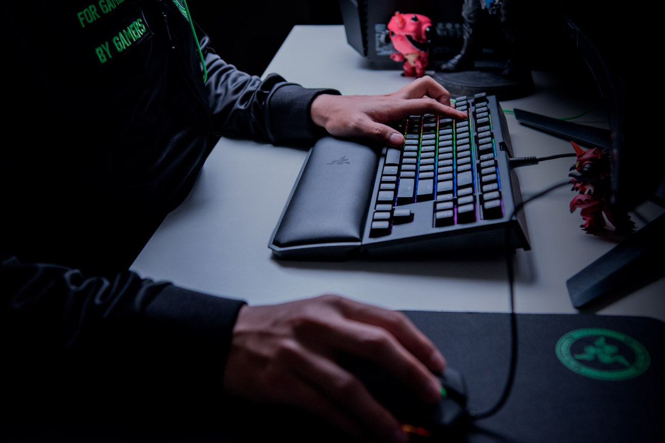 Razer+Blackwidow+Tournament+Chroma+V2+Keyboard