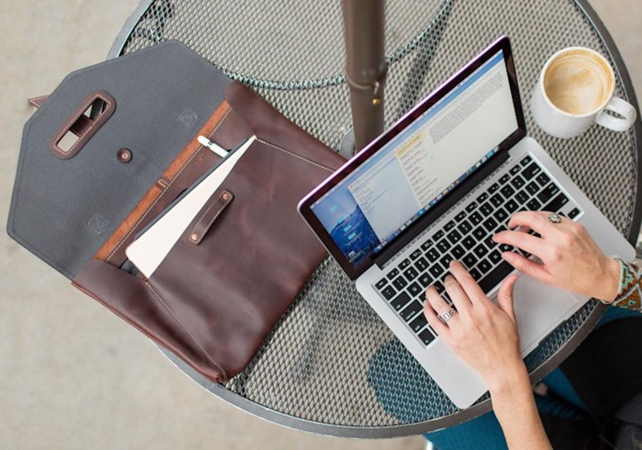 Valet Luxury Leather MacBook Bag