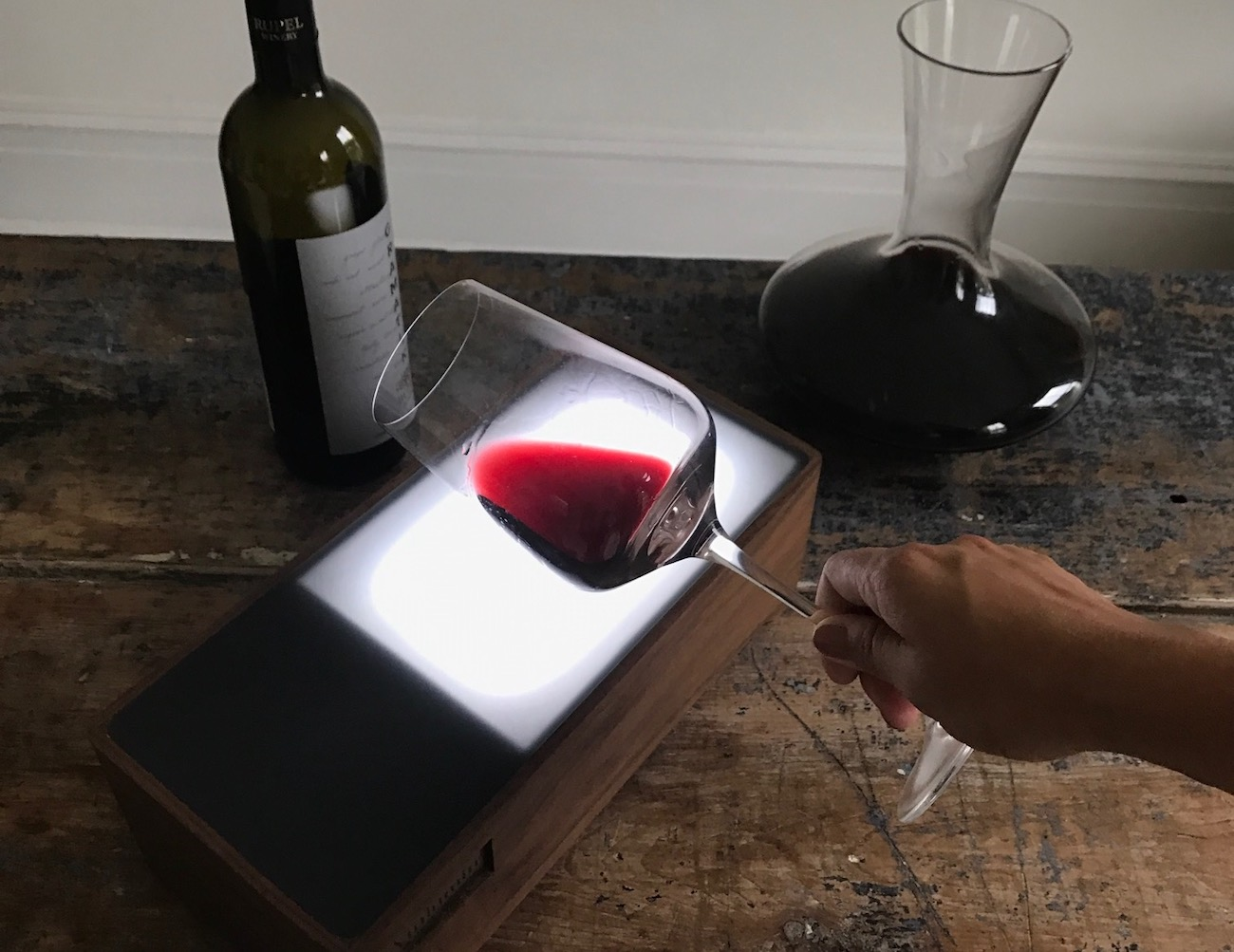 Vinlumin Wine Enhancing Light Box