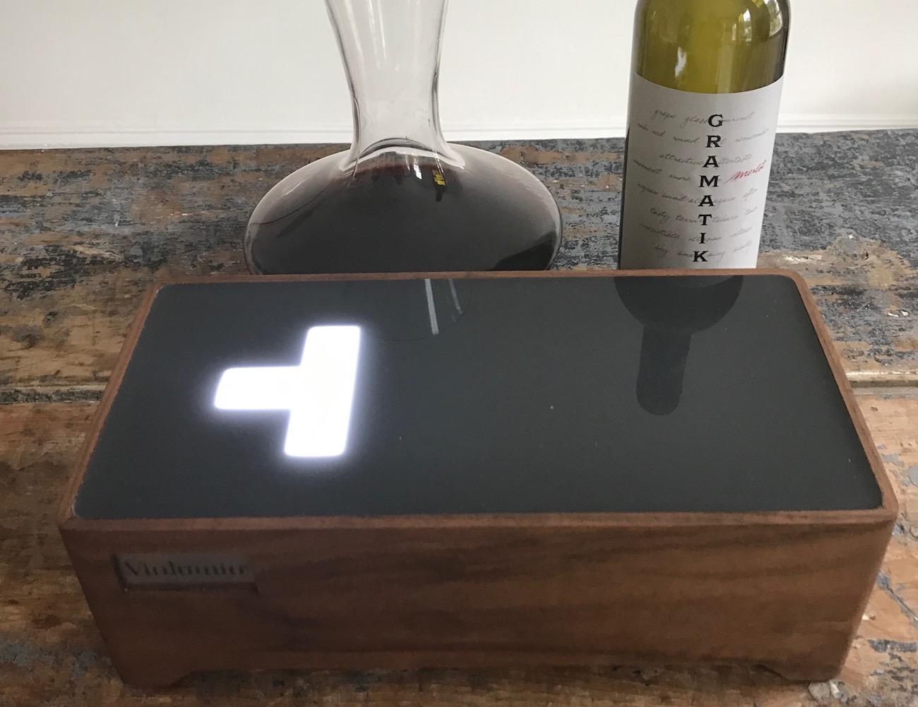Vinlumin Wine Enhancing Light Box