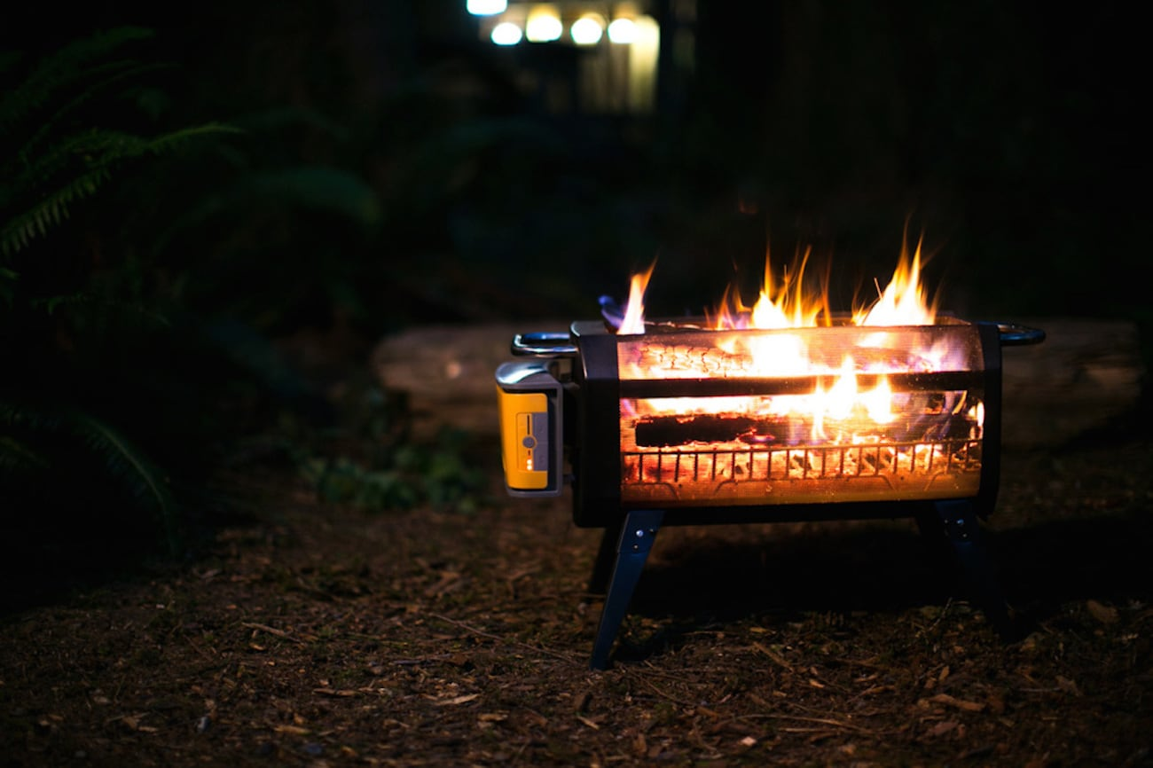 BioLite FirePit Smokeless Wood Fire Pit gives you all flame and no smoke