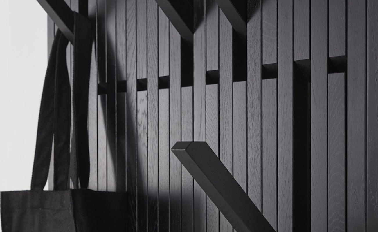 Luminaire Foldable Piano Coat Rack