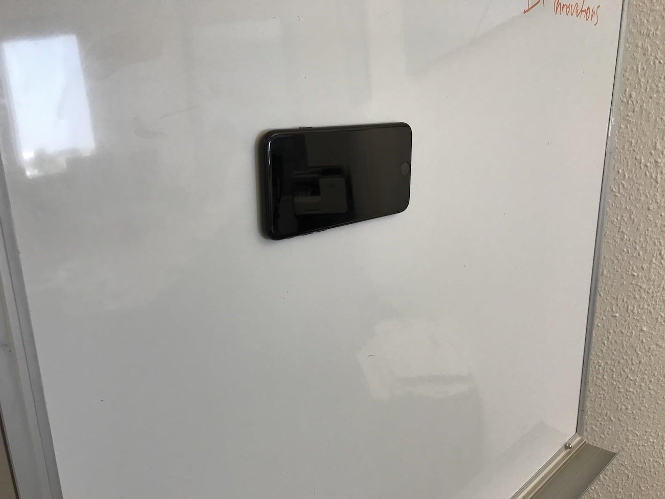 NanoPad Nano Suction Smartphone Pad