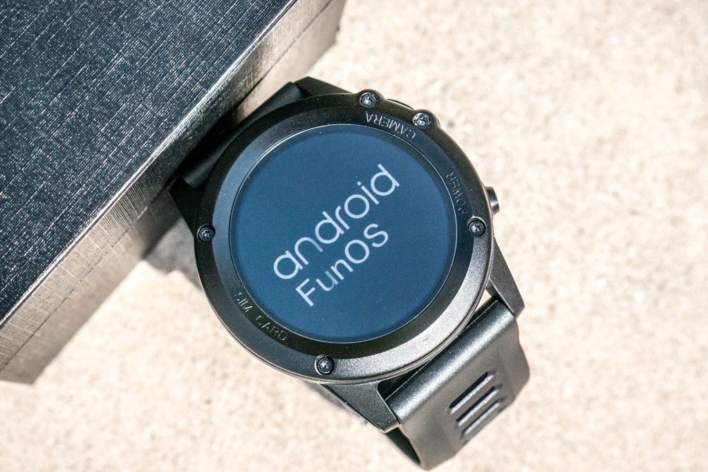 Microwear H1 Let's You Own an Android Wear Smartwatch and Keep Your Wallet