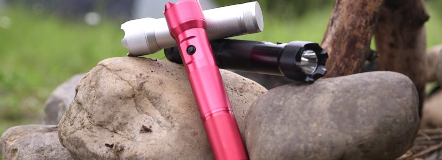 PYYROS Is an Emergency Flashlight and Amazing Multi-Tool in One