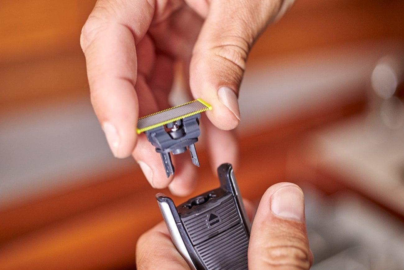 philips oneblade pro hybrid electric shaver gadget flow. Black Bedroom Furniture Sets. Home Design Ideas