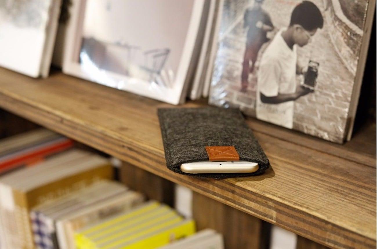 iPhone 8 Handmade Felt Wallet Case