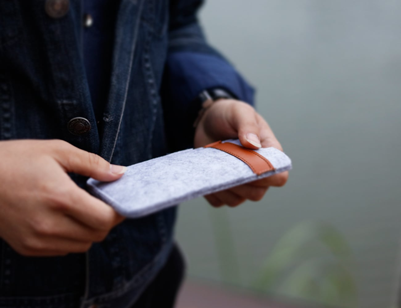 iPhone X Felt Wallet Case