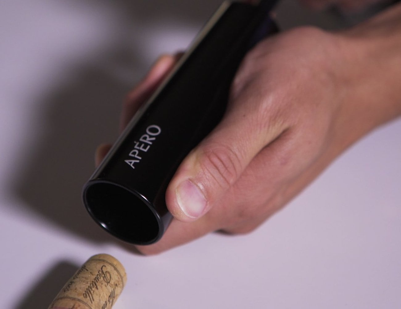 Apèro N2O Powered Wine Opener