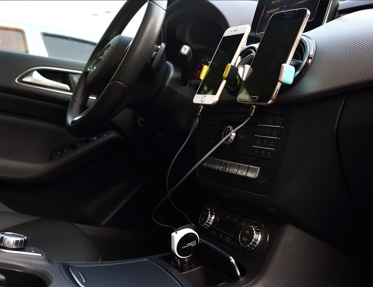 Bency Sense Universal Smartphone Car Charger