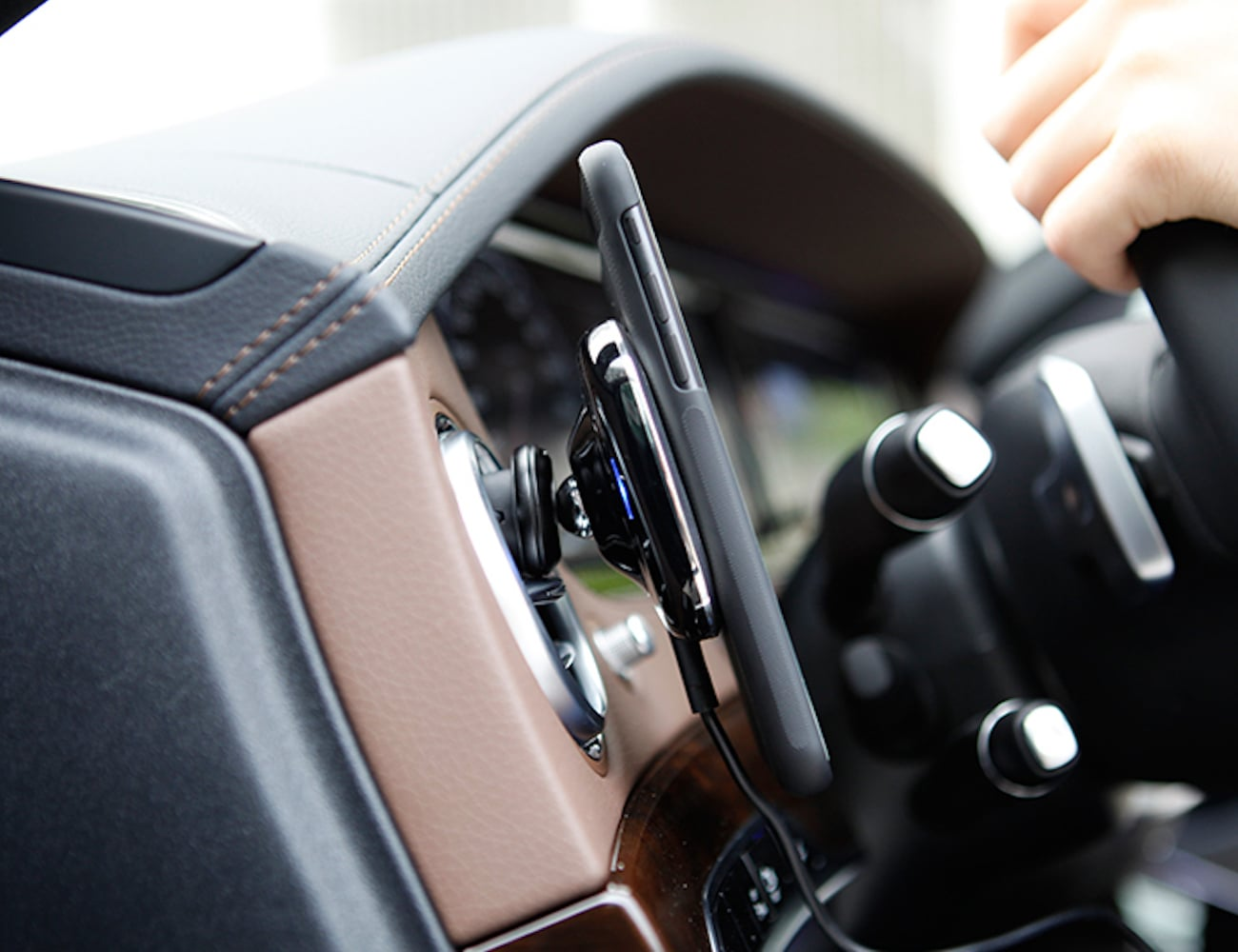 Car+Smartphone+Wireless+Charging+Pad