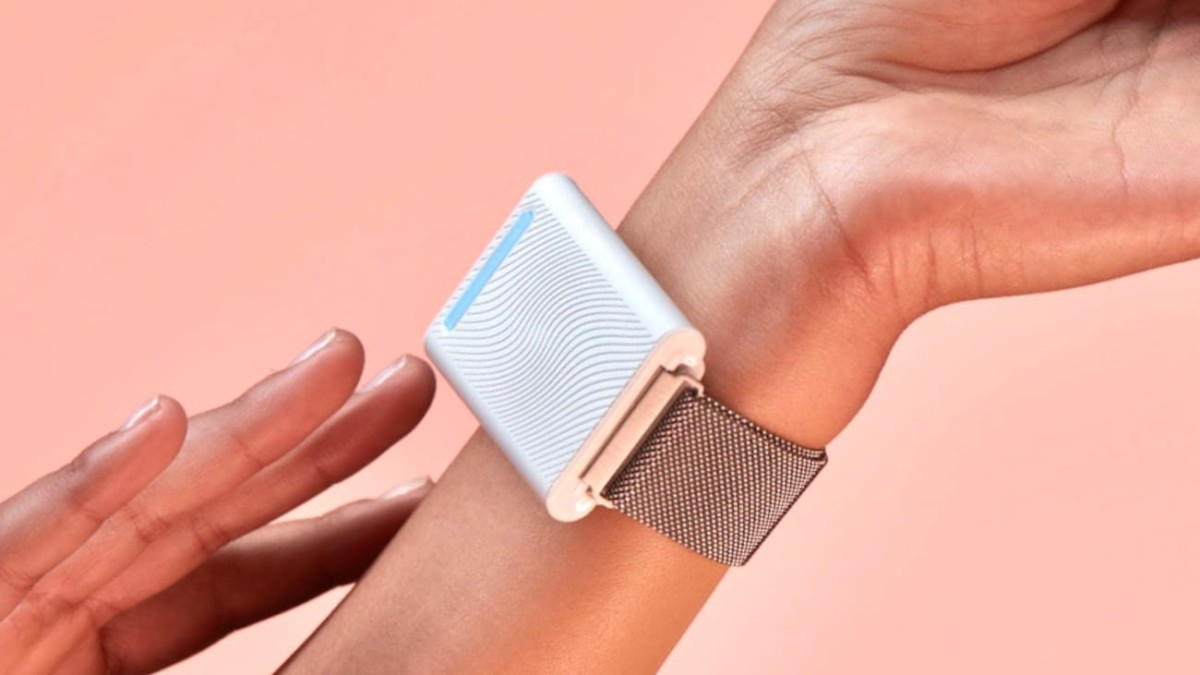 Embr Wave Wearable Personal Thermostat lets you warm and cool yourself as necessary